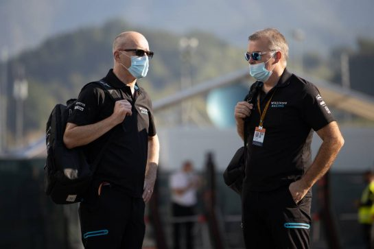 (L to R): Simon Roberts (GBR) Williams Racing F1 Acting Team Principal with Mike O'Driscoll (GBR) Williams Group CEO. 13.09.2020. Formula 1 World Championship, Rd 9, Tuscan Grand Prix, Mugello, Italy, Race Day. - www.xpbimages.com, EMail: requests@xpbimages.com © Copyright: Bearne / XPB Images