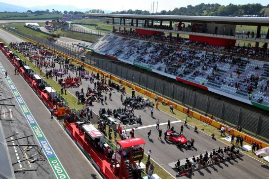 The grid before the start of the race. 13.09.2020. Formula 1 World Championship, Rd 9, Tuscan Grand Prix, Mugello, Italy, Race Day. - www.xpbimages.com, EMail: requests@xpbimages.com © Copyright: Moy / XPB Images