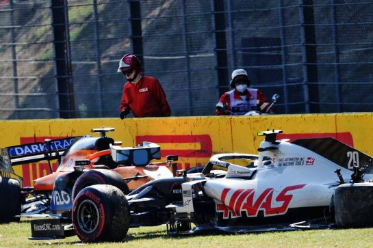 The Haas VF-20 of Kevin Magnussen (DEN) Haas F1 Team and the McLaren MCL35 of Carlos Sainz Jr (ESP) McLaren crashed out of the race. 13.09.2020. Formula 1 World Championship, Rd 9, Tuscan Grand Prix, Mugello, Italy, Race Day. - www.xpbimages.com, EMail: requests@xpbimages.com © Copyright: Bearne / XPB Images