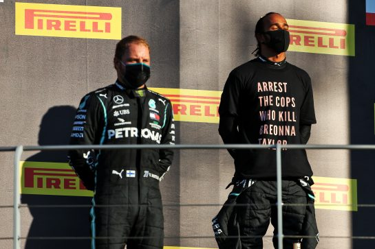 (L to R): Valtteri Bottas (FIN) Mercedes AMG F1 on the podium with team mate and race winner Lewis Hamilton (GBR) Mercedes AMG F1. 13.09.2020. Formula 1 World Championship, Rd 9, Tuscan Grand Prix, Mugello, Italy, Race Day. - www.xpbimages.com, EMail: requests@xpbimages.com © Copyright: Charniaux / XPB Images