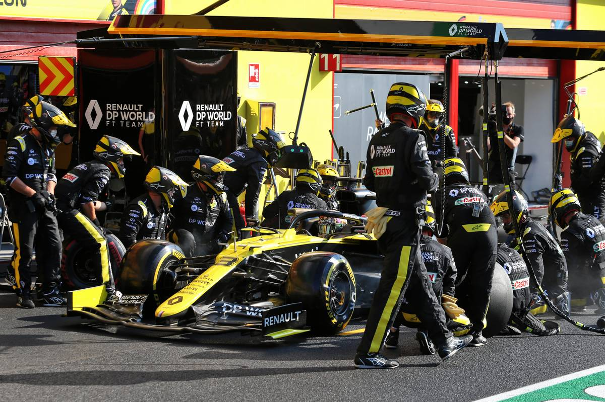Renault seeks to channel classic Ford fight with Ferrari