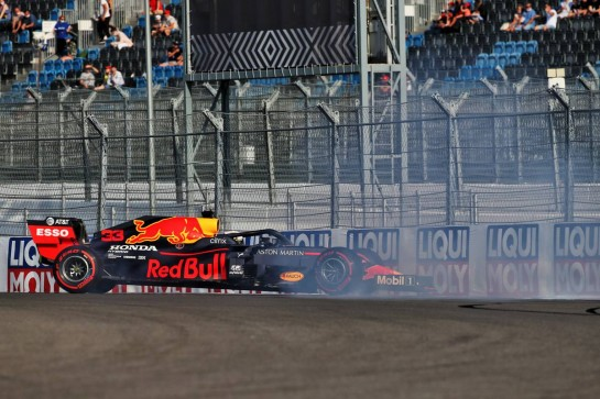 Max Verstappen (NLD) Red Bull Racing RB16 spins in the second practice session.