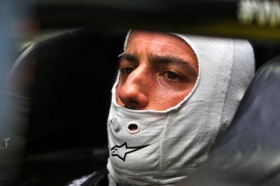 Daniel Ricciardo (AUS) Renault F1 Team RS20. 26.09.2020. Formula 1 World Championship, Rd 10, Russian Grand Prix, Sochi Autodrom, Sochi, Russia, Qualifying Day. - www.xpbimages.com, EMail: requests@xpbimages.com © Copyright: Moy / XPB Images