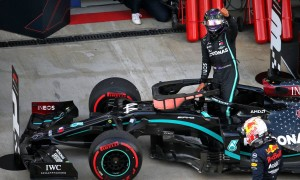 Hamilton survives to snatch pole ahead of Verstappen
