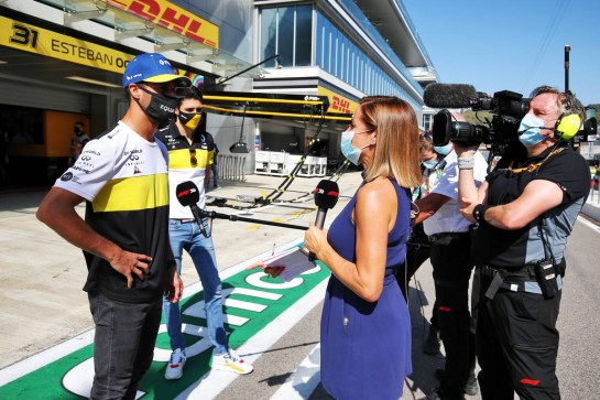 Daniel Ricciardo (AUS) Renault F1 Team and Esteban Ocon (FRA) Renault F1 Team with Natalie Pinkham (GBR) Sky Sports Presenter. 27.09.2020. Formula 1 World Championship, Rd 10, Russian Grand Prix, Sochi Autodrom, Sochi, Russia, Race Day. - www.xpbimages.com, EMail: requests@xpbimages.com © Copyright: Moy / XPB Images
