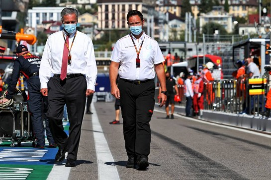Chase Carey (USA) Formula One Group Chairman on the grid. 27.09.2020. Formula 1 World Championship, Rd 10, Russian Grand Prix, Sochi Autodrom, Sochi, Russia, Race Day. - www.xpbimages.com, EMail: requests@xpbimages.com © Copyright: Moy / XPB Images