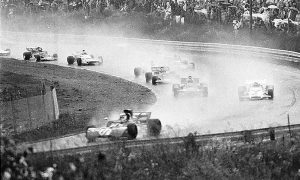 Formula 1's first ever red flagged Grand Prix