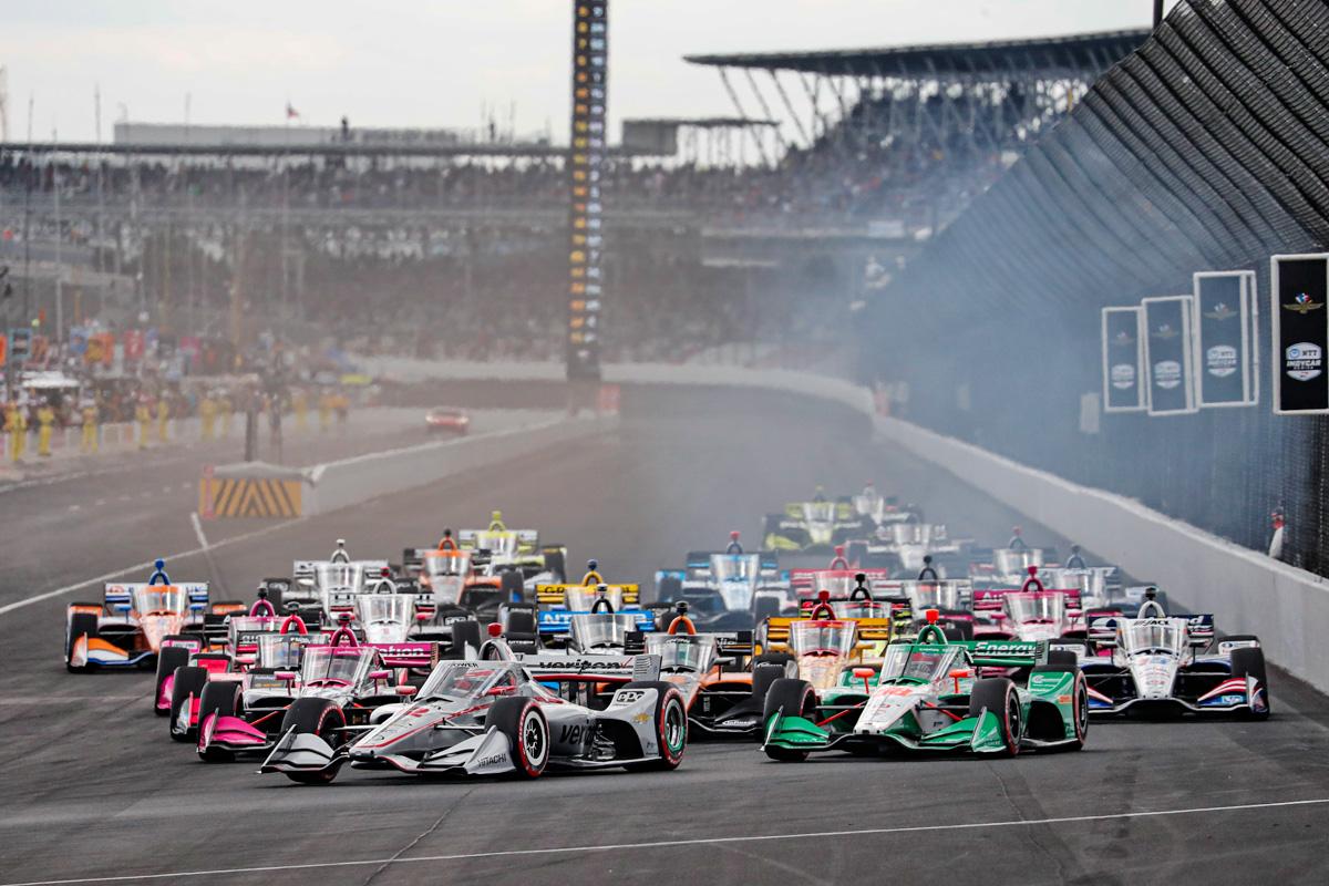Start of the Firestone IndyCar Harvest Grand Prix. Saturday October 3 2020.