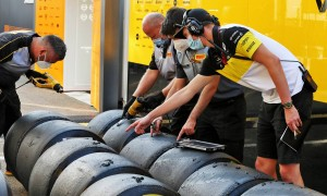 F1 teams set to sample Pirelli 2021-spec tyre in FP2