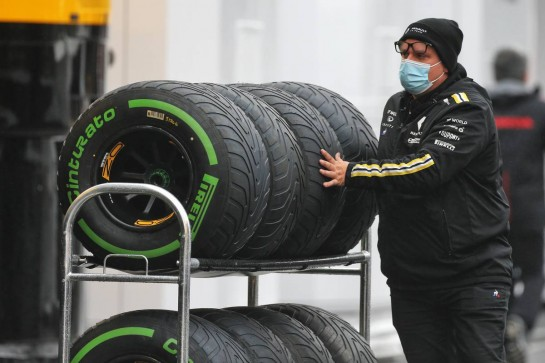 Renault F1 Team mechanic with wet Pirelli tyres. 08.10.2020. Formula 1 World Championship, Rd 11, Eifel Grand Prix, Nurbugring, Germany, Preparation Day. - www.xpbimages.com, EMail: requests@xpbimages.com © Copyright: Moy / XPB Images