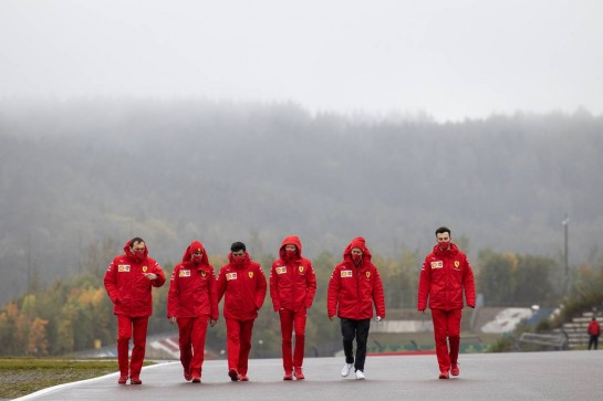Sebastian Vettel (GER) Ferrari walks the circuit with the team. 08.10.2020. Formula 1 World Championship, Rd 11, Eifel Grand Prix, Nurbugring, Germany, Preparation Day. - www.xpbimages.com, EMail: requests@xpbimages.com © Copyright: Bearne / XPB Images
