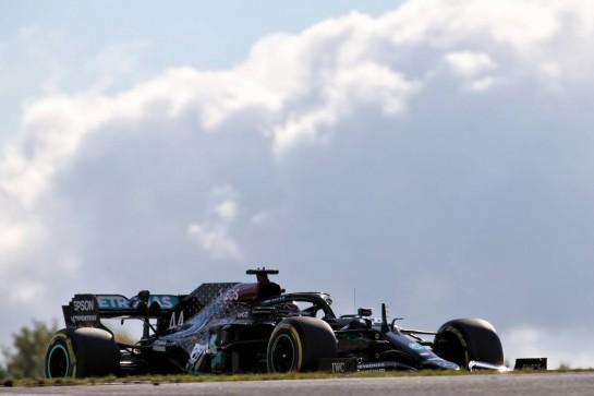 Lewis Hamilton (GBR) Mercedes AMG F1 W11. 10.10.2020. Formula 1 World Championship, Rd 11, Eifel Grand Prix, Nurbugring, Germany, Qualifying Day. - www.xpbimages.com, EMail: requests@xpbimages.com © Copyright: Batchelor / XPB Images