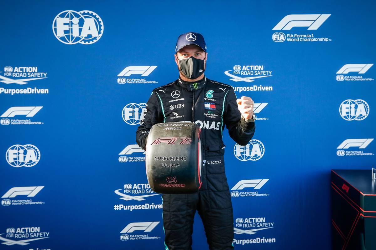 Valtteri Bottas (FIN) Mercedes AMG F1 celebrates with the Pirelli Pole Position award.