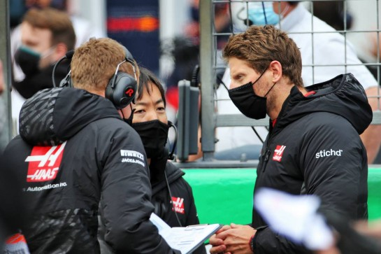 Romain Grosjean (FRA) Haas F1 Team on the grid. 11.10.2020. Formula 1 World Championship, Rd 11, Eifel Grand Prix, Nurbugring, Germany, Race Day. - www.xpbimages.com, EMail: requests@xpbimages.com © Copyright: Batchelor / XPB Images
