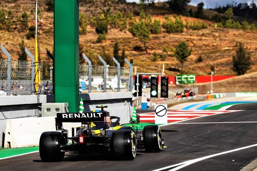 'Mega-tight' pitlane exit cause for concern in Portuguese GP