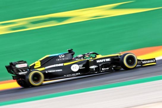 Daniel Ricciardo (AUS) Renault F1 Team RS20. 23.10.2020. Formula 1 World Championship, Rd 12, Portuguese Grand Prix, Portimao, Portugal, Practice Day. - www.xpbimages.com, EMail: requests@xpbimages.com © Copyright: Moy / XPB Images