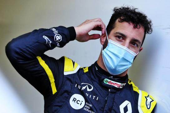 Daniel Ricciardo (AUS) Renault F1 Team. 23.10.2020. Formula 1 World Championship, Rd 12, Portuguese Grand Prix, Portimao, Portugal, Practice Day. - www.xpbimages.com, EMail: requests@xpbimages.com © Copyright: Moy / XPB Images