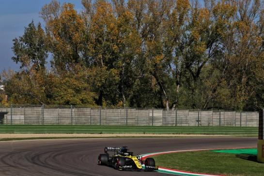 Daniel Ricciardo (AUS) Renault F1 Team RS20. 31.10.2020. Formula 1 World Championship, Rd 13, Emilia Romagna Grand Prix, Imola, Italy, Qualifying Day. - www.xpbimages.com, EMail: requests@xpbimages.com © Copyright: Batchelor / XPB Images