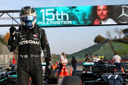 Valtteri Bottas (FIN) Mercedes AMG F1 W11 celebrates his pole position in qualifying parc ferme. 31.10.2020. Formula 1 World Championship, Rd 13, Emilia Romagna Grand Prix, Imola, Italy, Qualifying Day. - www.xpbimages.com, EMail: requests@xpbimages.com © Copyright: Batchelor / XPB Images