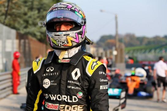 Daniel Ricciardo (AUS) Renault F1 Team in qualifying parc ferme. 31.10.2020. Formula 1 World Championship, Rd 13, Emilia Romagna Grand Prix, Imola, Italy, Qualifying Day. - www.xpbimages.com, EMail: requests@xpbimages.com © Copyright: Batchelor / XPB Images
