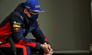 Engine glitch 'ruined' qualifying, says Verstappen
