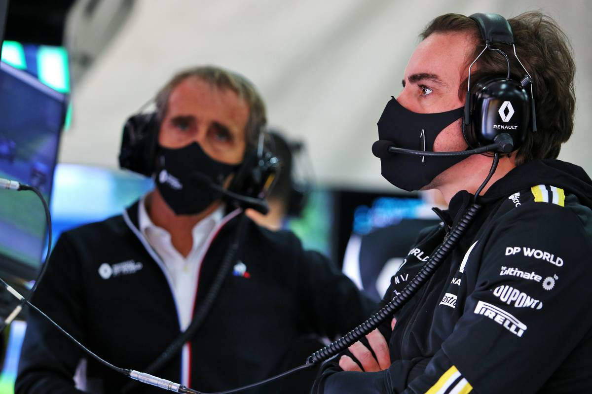 Renault says rivals' 'little games' blocking Alonso test