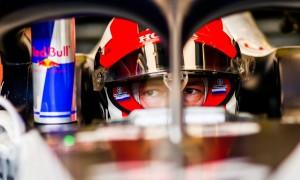 Kvyat admits chance of remaining in F1 'very slim'