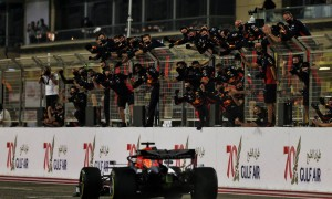 Second placed Max Verstappen (NLD) Red Bull Racing RB16 at the end of the race. 29.11.2020. Formula 1 World Championship, Rd 15, Bahrain Grand Prix