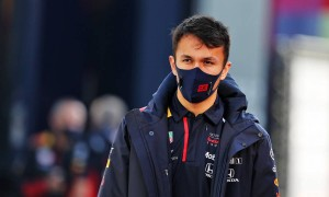 Villeneuve slates Albon as 'worst number two driver'