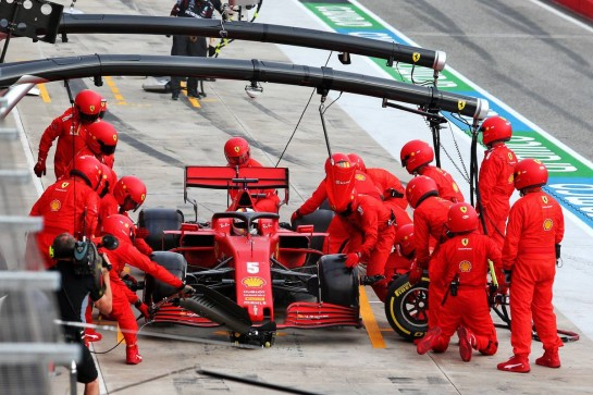 Sebastian Vettel (GER) Ferrari SF1000 makes a pit stop. 01.11.2020. Formula 1 World Championship, Rd 13, Emilia Romagna Grand Prix, Imola, Italy, Race Day. - www.xpbimages.com, EMail: requests@xpbimages.com © Copyright: Moy / XPB Images