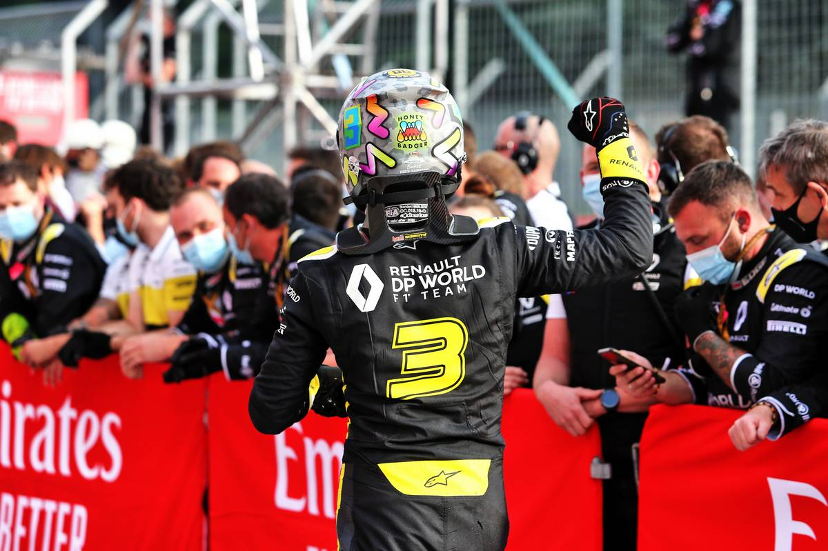 Daniel Ricciardo (AUS) Renault F1 Team celebrates his third position with the team in parc ferme.