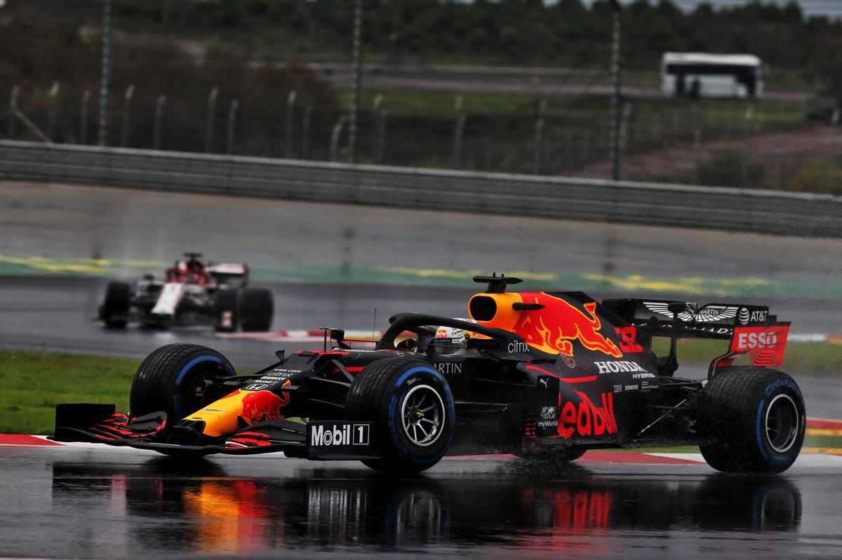 Max Verstappen (NLD) Red Bull Racing RB16.