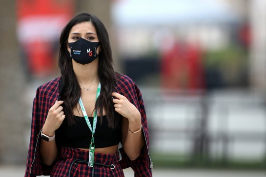 Sandra Dziwiszek (POL), girlfriend of Nicholas Latifi (CDN) Williams Racing. 27.11.2020. Formula 1 World Championship, Rd 15, Bahrain Grand Prix, Sakhir, Bahrain, Practice Day - www.xpbimages.com, EMail: requests@xpbimages.com © Copyright: Charniaux / XPB Images