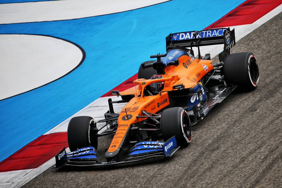 McLaren turns towards the wind to solve MCL35 weakness - F1i.com