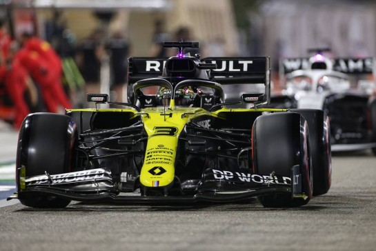 Daniel Ricciardo (AUS) Renault F1 Team RS20. 27.11.2020. Formula 1 World Championship, Rd 15, Bahrain Grand Prix, Sakhir, Bahrain, Practice Day - www.xpbimages.com, EMail: requests@xpbimages.com © Copyright: Charniaux / XPB Images