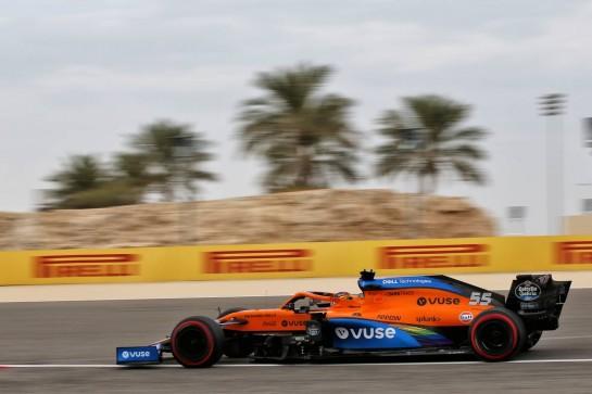 Carlos Sainz Jr (ESP) McLaren MCL35. 28.11.2020. Formula 1 World Championship, Rd 15, Bahrain Grand Prix, Sakhir, Bahrain, Qualifying Day. - www.xpbimages.com, EMail: requests@xpbimages.com © Copyright: Batchelor / XPB Images