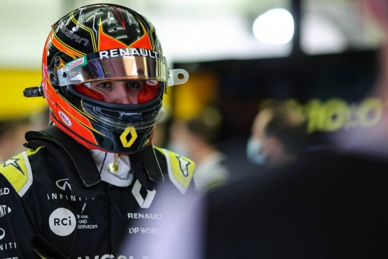Esteban Ocon (FRA) Renault F1 Team. 28.11.2020. Formula 1 World Championship, Rd 15, Bahrain Grand Prix, Sakhir, Bahrain, Qualifying Day. - www.xpbimages.com, EMail: requests@xpbimages.com © Copyright: Charniaux / XPB Images
