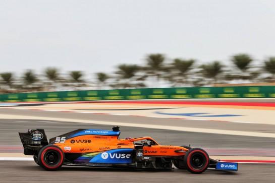 Carlos Sainz Jr (ESP) McLaren MCL35. 28.11.2020. Formula 1 World Championship, Rd 15, Bahrain Grand Prix, Sakhir, Bahrain, Qualifying Day. - www.xpbimages.com, EMail: requests@xpbimages.com © Copyright: Moy / XPB Images