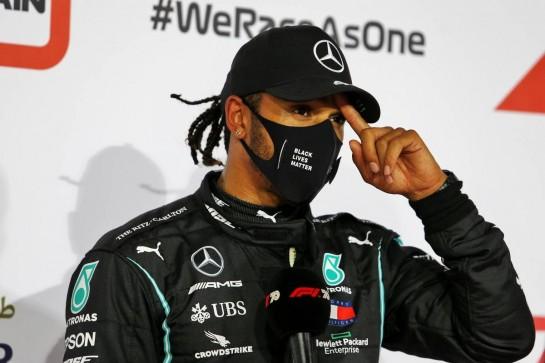 Pole sitter Lewis Hamilton (GBR) Mercedes AMG F1 in qualifying parc ferme. 28.11.2020. Formula 1 World Championship, Rd 15, Bahrain Grand Prix, Sakhir, Bahrain, Qualifying Day. - www.xpbimages.com, EMail: requests@xpbimages.com © Copyright: Moy / XPB Images