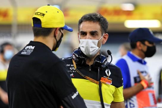 Cyril Abiteboul (FRA) Renault Sport F1 Managing Director with Esteban Ocon (FRA) Renault F1 Team. 29.11.2020. Formula 1 World Championship, Rd 15, Bahrain Grand Prix, Sakhir, Bahrain, Race Day. - www.xpbimages.com, EMail: requests@xpbimages.com © Copyright: Moy / XPB Images