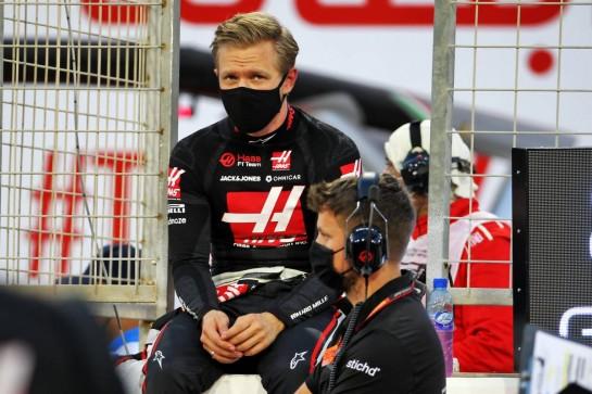 Kevin Magnussen (DEN) Haas F1 Team on the grid. 29.11.2020. Formula 1 World Championship, Rd 15, Bahrain Grand Prix, Sakhir, Bahrain, Race Day. - www.xpbimages.com, EMail: requests@xpbimages.com © Copyright: Batchelor / XPB Images