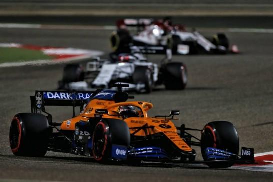 Carlos Sainz Jr (ESP) McLaren MCL35. 29.11.2020. Formula 1 World Championship, Rd 15, Bahrain Grand Prix, Sakhir, Bahrain, Race Day. - www.xpbimages.com, EMail: requests@xpbimages.com © Copyright: Moy / XPB Images