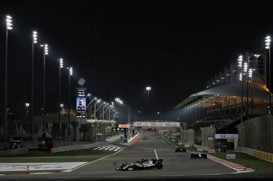 Antonio Giovinazzi (ITA) Alfa Romeo Racing C39. 29.11.2020. Formula 1 World Championship, Rd 15, Bahrain Grand Prix, Sakhir, Bahrain, Race Day. - www.xpbimages.com, EMail: requests@xpbimages.com © Copyright: Batchelor / XPB Images