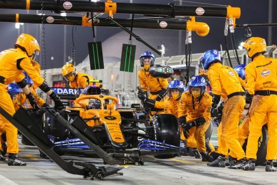 Lando Norris (GBR) McLaren MCL35 makes a pit stop. 29.11.2020. Formula 1 World Championship, Rd 15, Bahrain Grand Prix, Sakhir, Bahrain, Race Day. - www.xpbimages.com, EMail: requests@xpbimages.com © Copyright: Charniaux / XPB Images