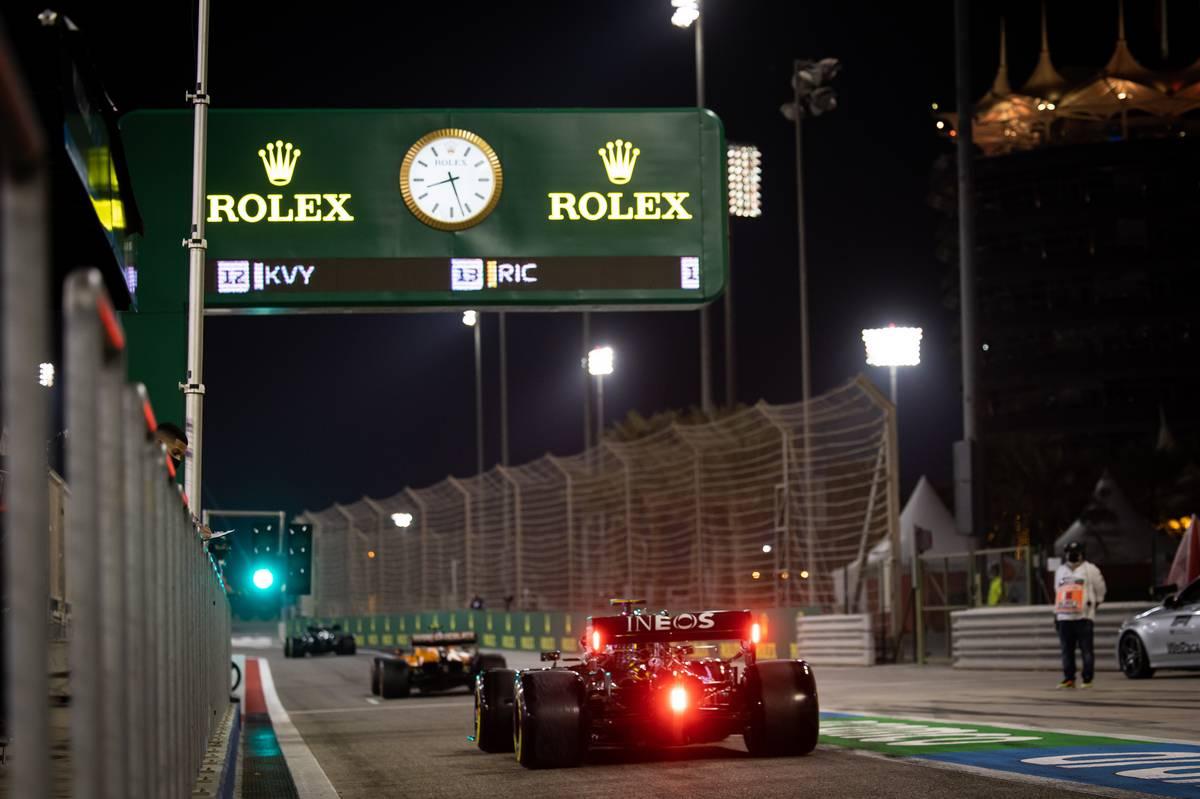 Valtteri Bottas (FIN) Mercedes AMG F1 W11 leaves the pits. 05.12.2020. Formula 1 World Championship, Rd 16, Sakhir Grand Prix