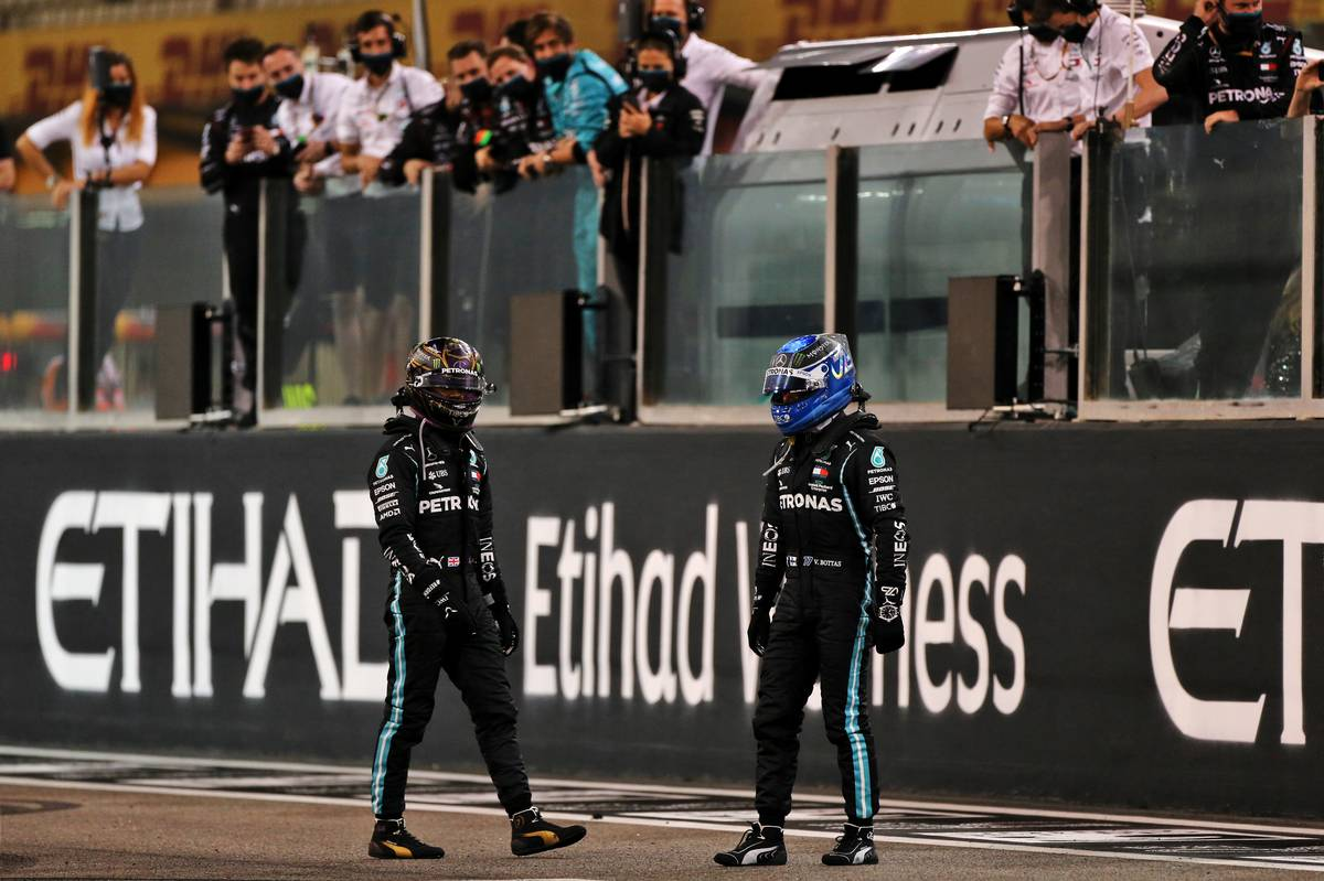 Lewis Hamilton (GBR) Mercedes AMG F1 and team mate Valtteri Bottas (FIN) Mercedes AMG F1 at the end of the race. 13.12.2020. Formula 1 World Championship, Rd 17, Abu Dhabi Grand Prix