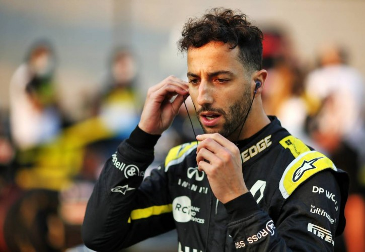 Daniel Ricciardo (AUS) Renault F1 Team on the grid. 13.12.2020. Formula 1 World Championship, Rd 17, Abu Dhabi Grand Prix