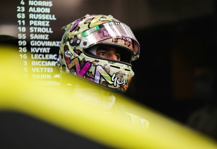 Daniel Ricciardo (AUS) Renault F1 Team. 05.12.2020. Formula 1 World Championship, Rd 16, Sakhir Grand Prix