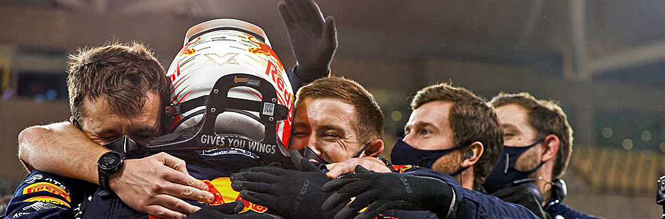 Race winner Max Verstappen (NLD) Red Bull Racing celebrates with the team in parc ferme. 13.12.2020. Formula 1 World Championship, Rd 17, Abu Dhabi Grand Prix