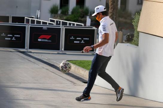 Carlos Sainz Jr (ESP) McLaren. 03.12.2020. Formula 1 World Championship, Rd 16, Sakhir Grand Prix, Sakhir, Bahrain, Preparation Day. - www.xpbimages.com, EMail: requests@xpbimages.com © Copyright: Moy / XPB Images